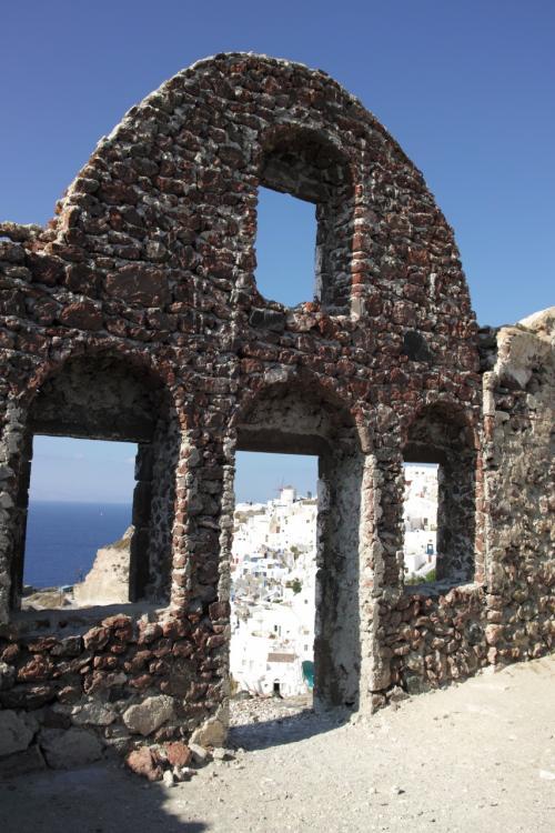 ☆Greece-Santorini-Oia★<br /><br />「イア」<br />城の遺構。