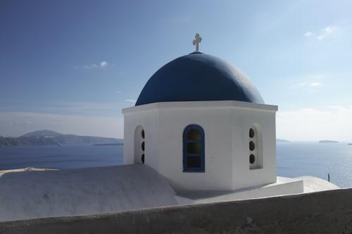 ☆Greece-Santorini-Oia★<br /><br />「イア」<br />イアキャッスルを見た後はイアの街中を散策する。街中は白を中心にたまにブルーと、ほんまに爽やかな雰囲気。