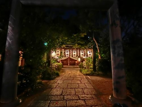 """堀越神社。<br />""""一生に一度の願い""""を祈る開運パワースポットとのこと。"""