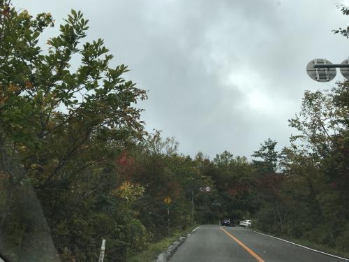 最終日は雲行きが怪しく・・・<br />でもまだ雨が降っていないので蔵王エコーラインドライブへ。