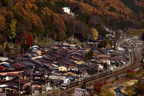 それにしても、眼下に広がる奈良井宿の綺麗に建ち並ぶ街並み風景がとても印象的でありましたねえ