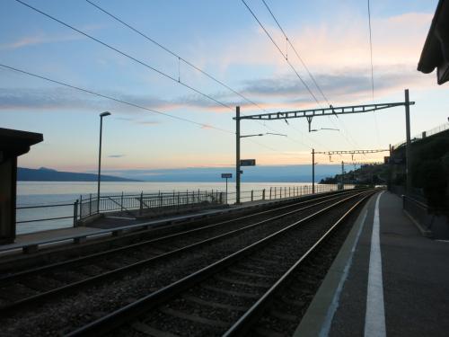 サン=サフォラン駅とレマン湖