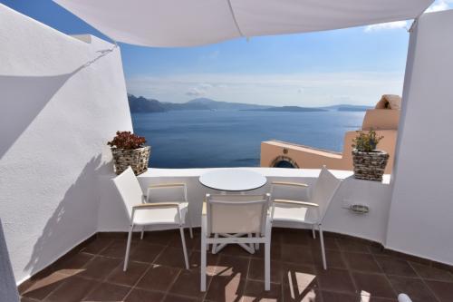 ☆Greece-Santorini-Oia★<br /><br />「イア」<br />テラスもまた良すぎる!