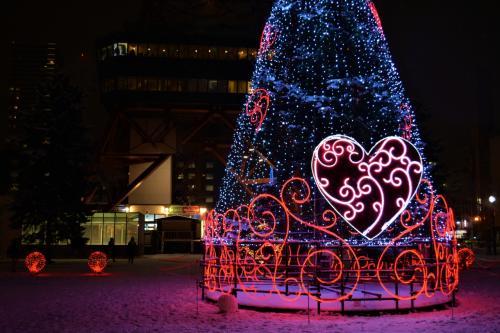 ☆大通1丁目会場<br />観光客で賑わうテレビ塔から外へ。<br />1丁目会場のテーマは「LOVE」。