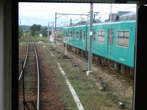 同時に出発した加古川線の西脇市行きとしばらく並行。
