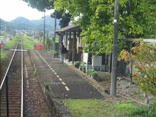 網引(あびき)駅。