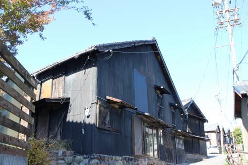 これらの建物は現役の建物もあるが、ギャラリーなどとして利用されているものも多い。