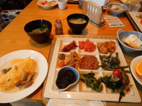 朝からどんだけ食べるんだ~!ですが<br />久々の日本食だし・・と自分に言いわけ・笑