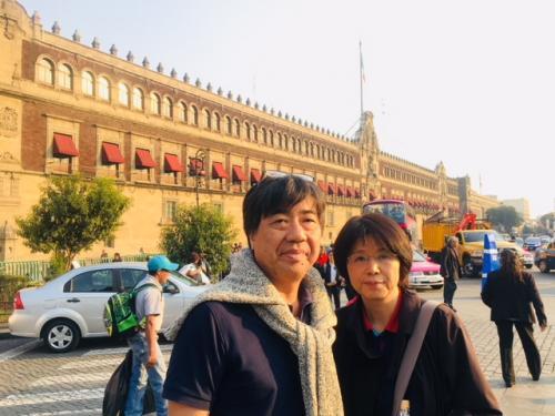 国立宮殿にも行きますよ