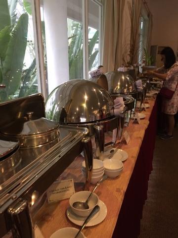 と言う事でホテルの朝食会場にやってきました。