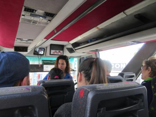 11:15発ペリッサ行きのバスに乗車。<br />2EUR<br /><br />アクロティリで下車。<br />