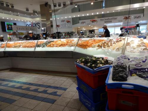 エビやほかの貝も売ってます。