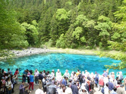 最もきれいな湖は人気のまと。