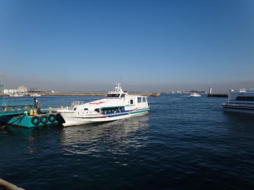 知多半島の南端は師崎港。50分間は無料の駐車場があって便利。<br />天気も良く暖かいので少し散策する。<br />