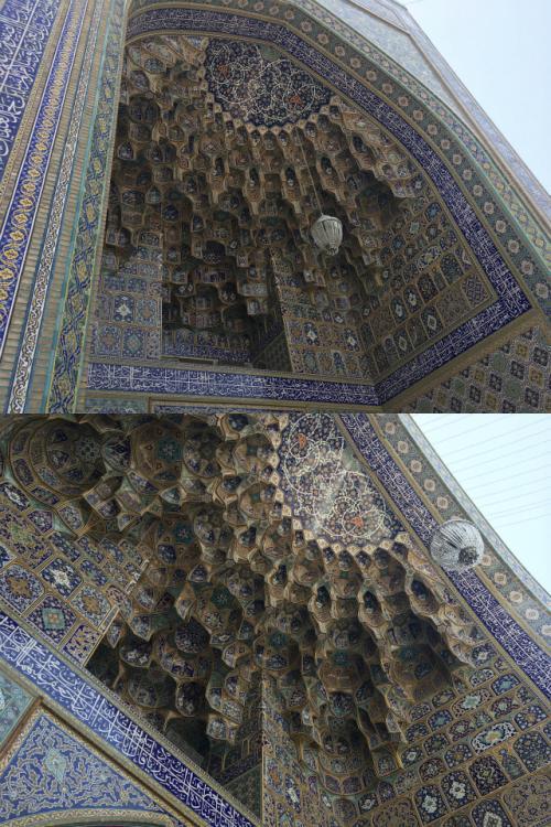 エイヴァーンはイランのどこのモスクでも、規模は違えどどれも素晴らしい出来。 <br />