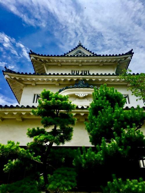 現存する12天守閣で最も小さい丸亀城。<br />風格ある素敵なお城です。