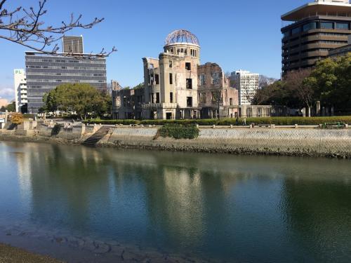 逆さ原爆ドーム。