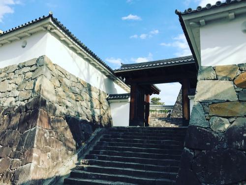 甲府城は豊臣秀吉の命により築城されたものだそうな。<br />へー!HIDEやるじゃん!!