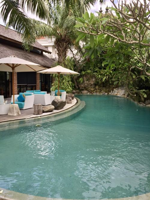 The Vira Bali HotelーCheck out<br />AM9:40  迎え<br />Maca Villas へ移動<br />