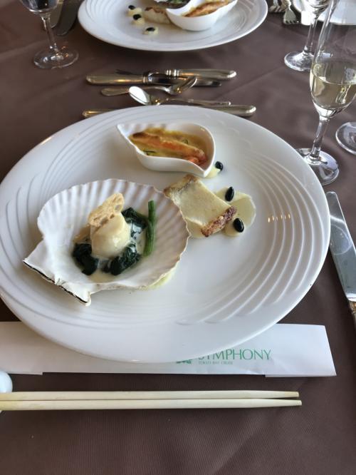 続いて、「梅」。<br />海鮮3種盛り、ホタテ、甘鯛、ズワイガニです。