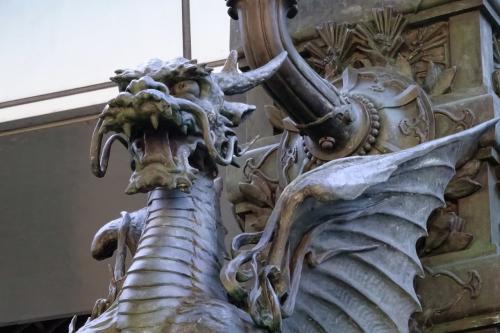 麒麟像<br /><br />東野圭吾の書き下ろし推理小説である『麒麟の翼』。<br />5街道の起点となる日本橋から、翼で飛び立つ。<br />私も日本橋からスタートだ。