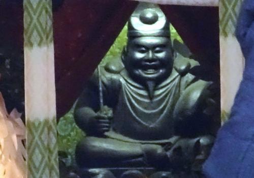 恵比須神像<br /><br />これが恵比須神像。遠目からなんとか撮影できた。