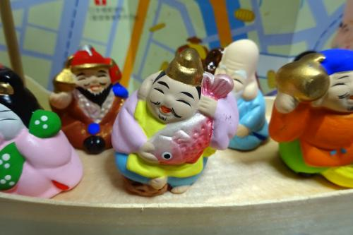 恵比須神 <br /><br />これがご神体像。可愛いですね。<br />恵比須神は、商売繁盛の神として、笑顔愛敬、和顔愛語の福徳を人に授け、かつ富財の神として、信仰されてきた。