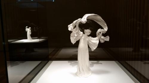日本の美術館はたいてい、写真不可ですが、ここは3階の一部だけ、撮影可でした。