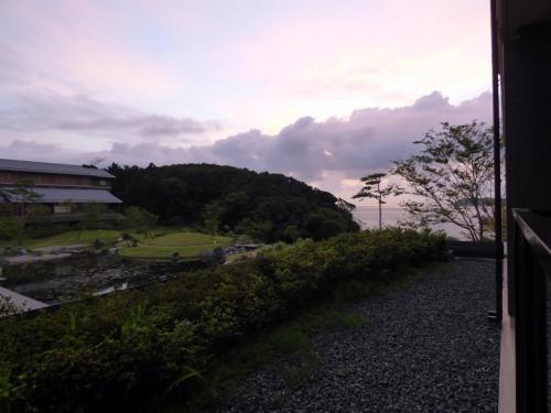 早朝のバルコニーからの眺め③