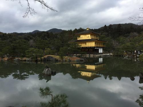 嵐山を後にして金閣寺へ。