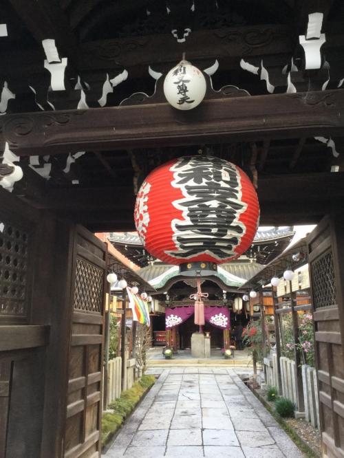 元日の朝、初詣はホテル近くのこちらのお寺。<br /><br />勝負運の御利益があるそうです。
