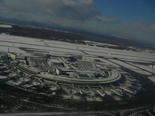 さらば雪の北海道・・晴れてきましたが雪がちらちらと降っていました