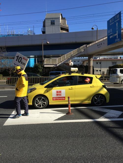 カフェで少し休んでから、箱根駅伝の応援へ行きました。<br />ラスト10Kmの地点で待ち構えます。