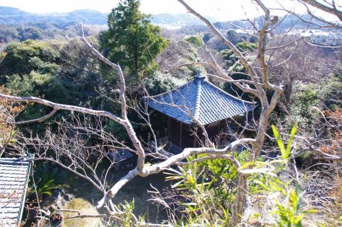 逗子法性寺の奥之院の日朗菩薩御廟所