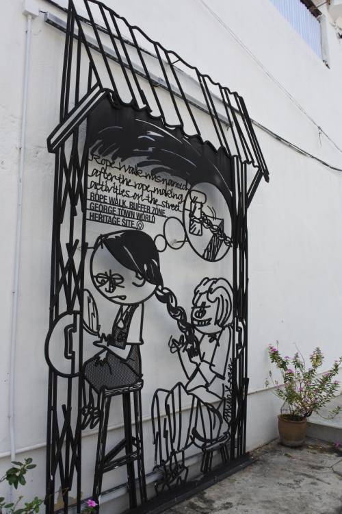 おお、アートアート。<br />この街アートなタウンです。<br />以前はどうだったかしら。忘れた。