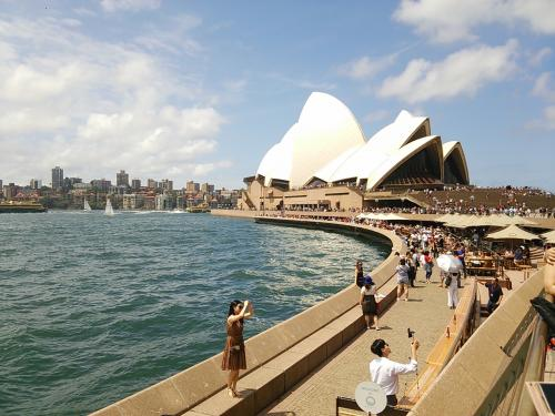 表紙にもしましたが、シドニーオペラハウスの自分的にはベストショットかな笑。<br />スマホで撮ったにはまあまあの出来かなと