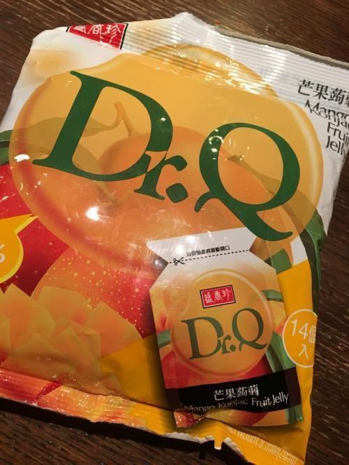 以前カルフールで購入した蒟蒻マンゴーゼリー。<br />息子のお気に入り。<br />人気なのか近くの店で1袋しかなかったです。<br />もちろん台湾産です<br />