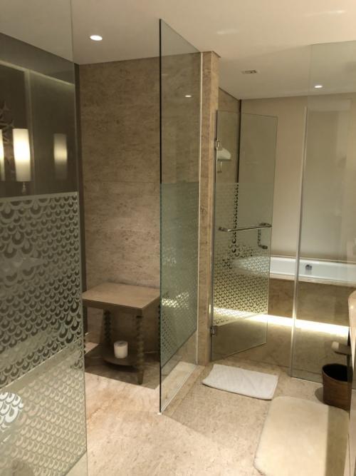 バスルームとトイレです。