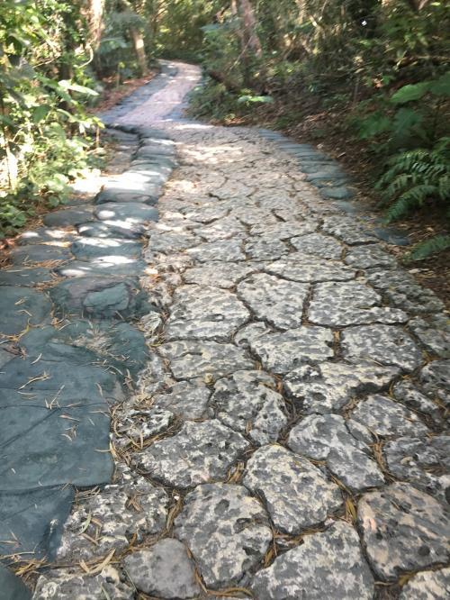 斎場御嶽の石畳