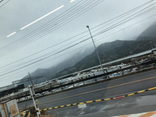 さて、大野浦を過ぎて宮島口の近くまできました。地図を見ると目の前の山も実は宮島(厳島)というのがわかります。想像以上に大きいですね。