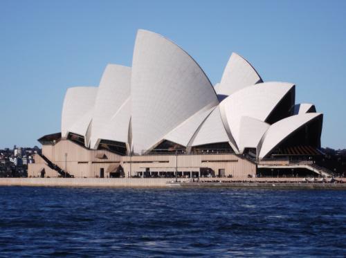 オペラハウスがきれいに見えます。