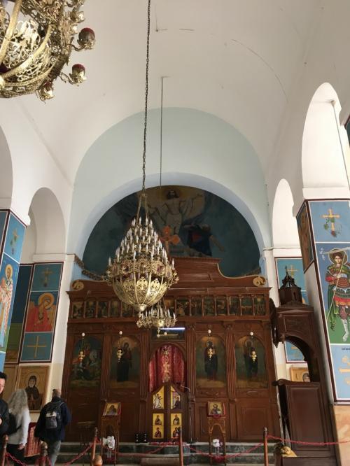 ショッピングの後は、マダバの見所である聖ジョージ教会です。<br />教会内部の撮影OKでした。