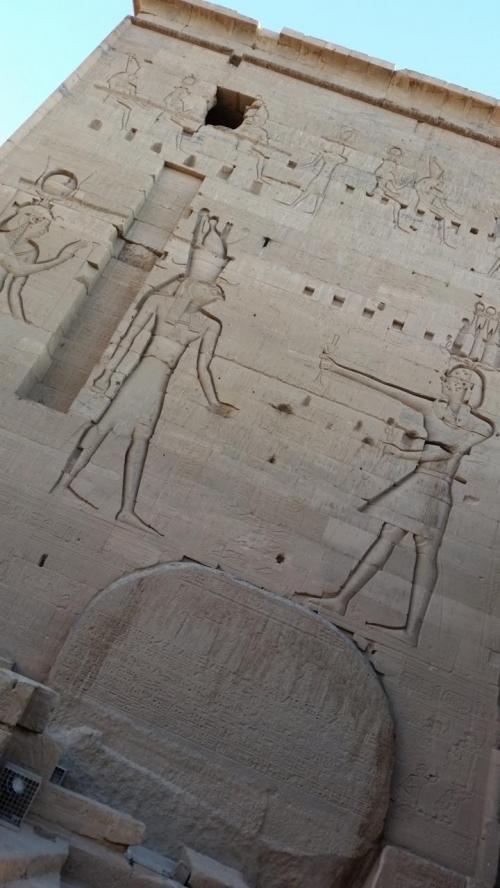 しっかり彫られ、数千年後まで残っているって、凄いです。