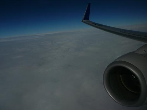 そして今回もほぼ雲の上を飛行南西諸島近くになると揺れが少し・・