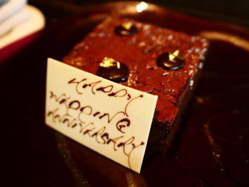 事前に記念日を伝えると、ケーキを用意してくれてました🍰🐭♪
