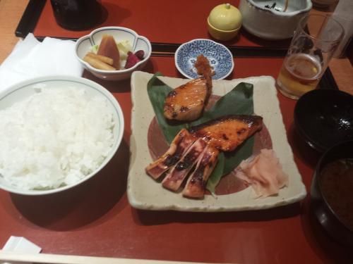 出国前に鈴波さんでご飯<br /><br />めっちゃ、西京焼きうまーい(≧▽≦)
