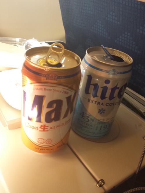 機内で頂いたビールも<br /><br />もちろん!韓国ビール( ´∀`)