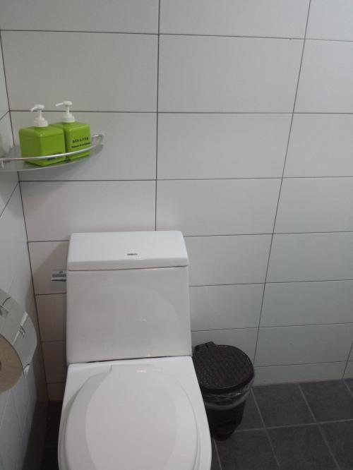 トイレはウォシュレットではない(笑)