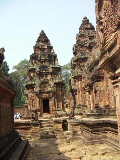 シヴァ神とヴィシュヌ神に捧げられたヒンドゥー教寺院