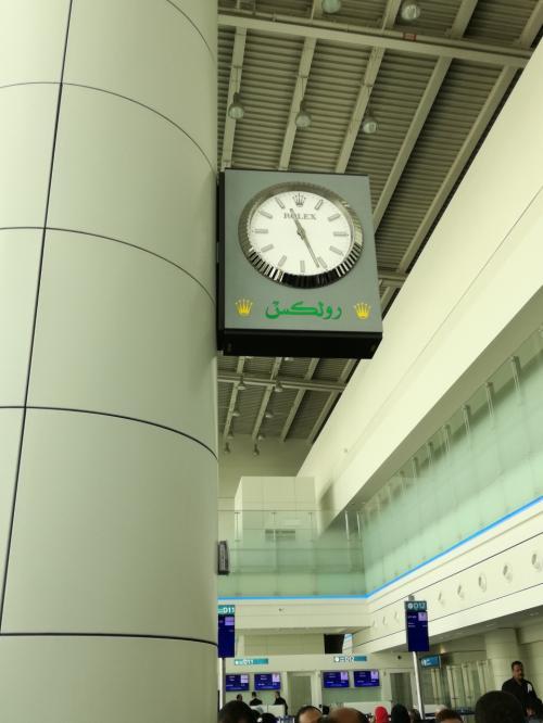 ドバイ国際空港ターミナル1<br />搭乗ゲートに移動します。<br />ラウンジからすぐでした。<br />